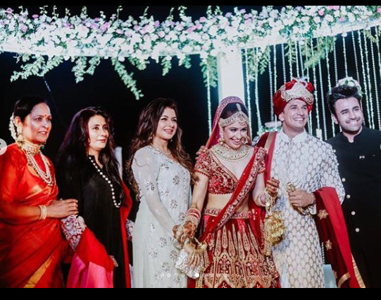 prince narula and yuvika chaudhary family picture