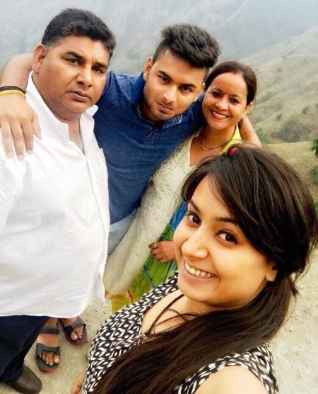 Rishabh Pant, biogarphy,indian cricketer,family,sister,father,mother